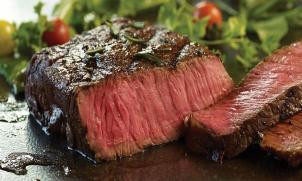 Steaky, bifteky a čerstvé bylinky